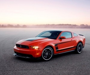 Ford has announced that it has given the green light to produce a 2012 Mustang Boss 302.