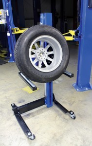 Rotary Lift MW-200 With Tire